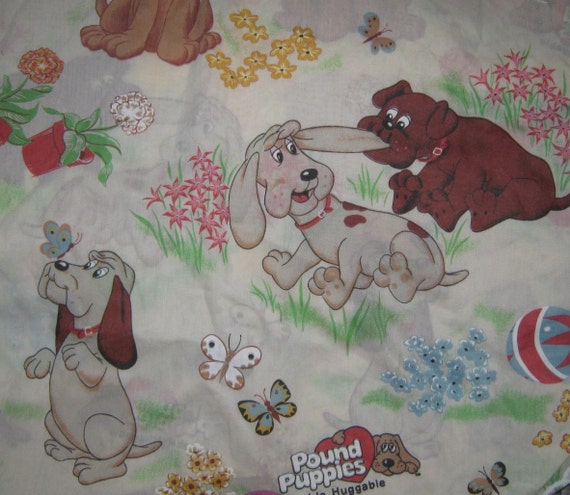 Vintage  Pound Pups   twin flat and  fitted bed sheet set
