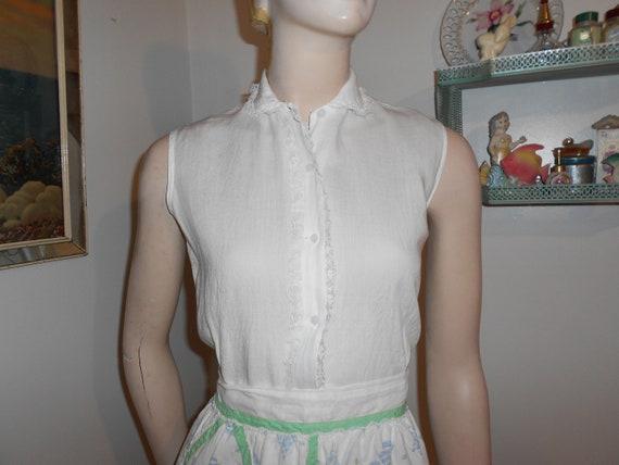1950's Sleeveless, Sheer White Cotton Blouse w/Peter Pan Collar - Size S-M