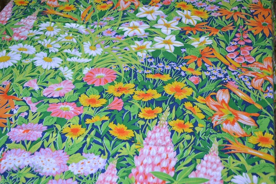 Vintage Bed Sheet - Summer Flower Garden on Navy Blue - Twin Fitted