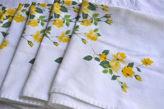 Vintage Wilendur Napkins - Yellow Rose Bouquets - A Set of 6