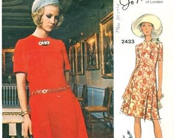 Vintage Vogue Couturier Jo Mattli of London  Designer  One Piece Dress Pattern 2433  with Label * Bust 34