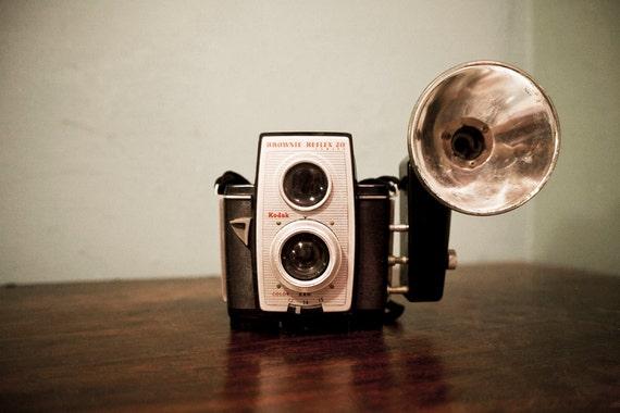 Vintage Brownie Reflex 20 Camera, TTV
