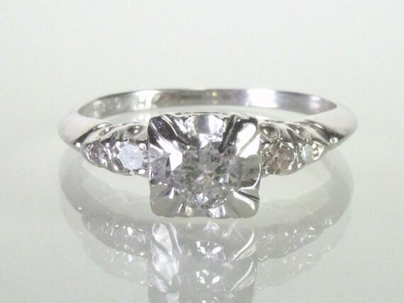 Vintage Diamond 18K Gold Engagement Ring - 0.29 Carats Diamonds