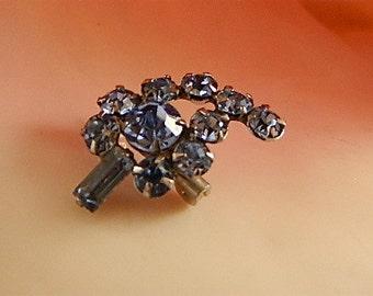 Vintage Brooch, Small Blue Rhinestone Scatter Pin Leaf: Winter Leaf Sparkle