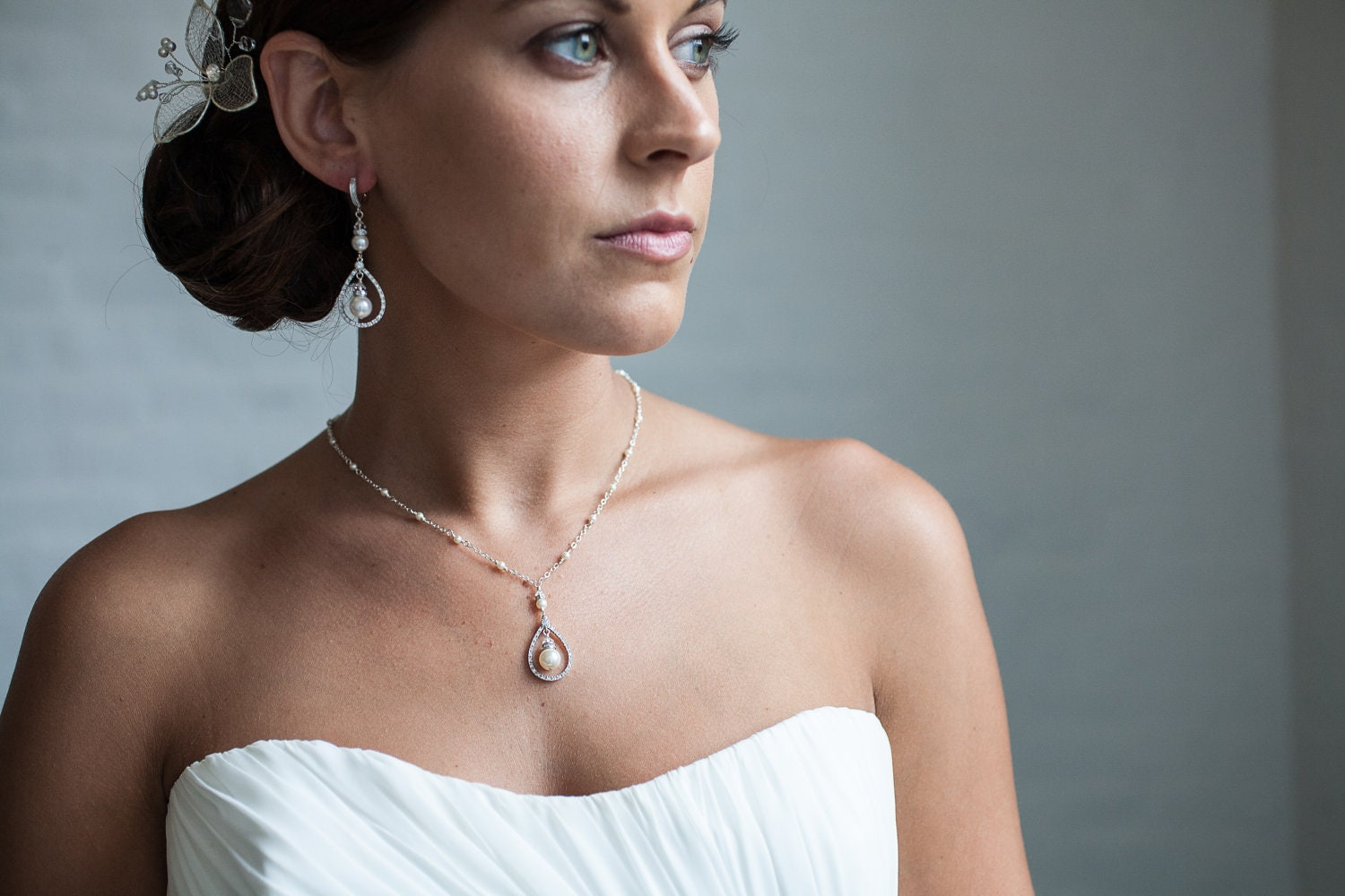 Pearl bridal necklace teardrop pendant necklace pearl for Bracelet for wedding dress