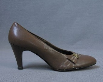 60s Heels Vintage 1960s Pumps Mad Men Brown Shoes 7.5 New Old Stock