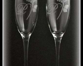Etched Glass Hydrangeas Flower Personalized Wedding Flutes for Couples, Bride, Toasting, Wedding Partyby Jackglass on Etsy