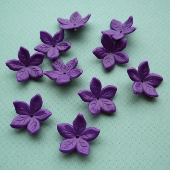 10 Vintage Plastic Five Petal Flower Beads Purple HP0269