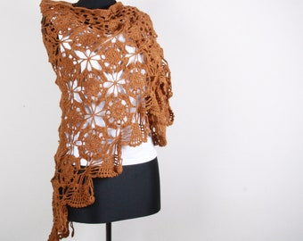 Cinnamon Brown , Triangle Shawl