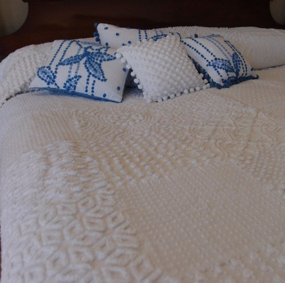 "Vintage Chenille Queen Size Quilt in all white chenille - Over sized 90"" x 112"" - Handmade"