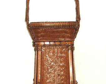 VINTAGE hilltribe carrying BASKET THAILAND-excellent condition-tightly woven detailed pattern and trim
