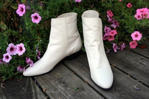 Vintage 80 S Cream White Ankle Go Go Boots By Rubychicboutique