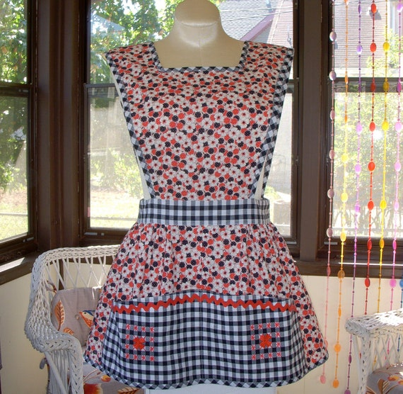 Cutest Ever Cobbler Apron Made From Vintage Pattern Hand