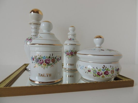 Beautiful Handpainted Dresser Set  (Lady Fair) With Mirror///SuperSale