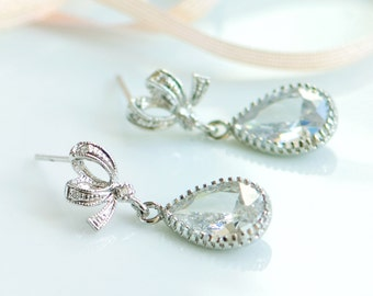 Crystal drop earrings, bridal jewelry, Wedding jewelry, Silver drop earrings, Rhinestone earrings, Clear crystal earrings, Bow stud earrings