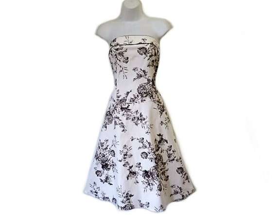 Vintage Cotton Dress, White and black Sweetheart Strapless Floral Toile Summer Dress Size 8 Small