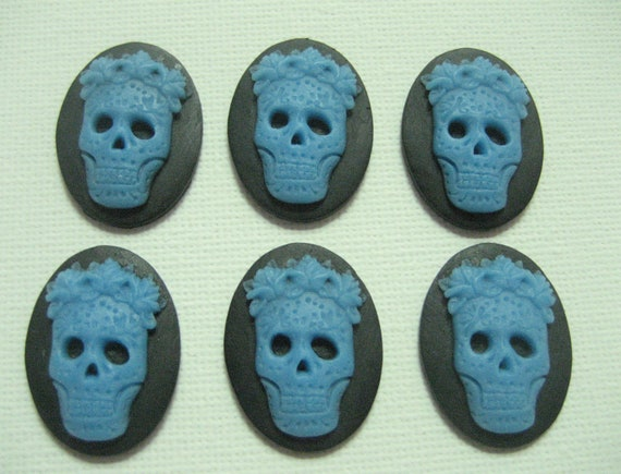New Arrival 6 pieces Blue on Black Background Tribal Skull 25x18mm Cameos
