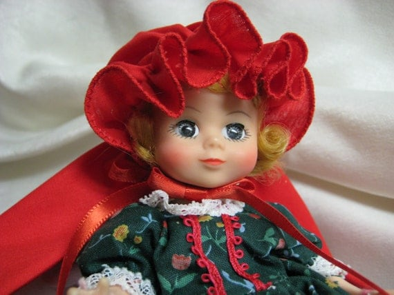 """Maggie Face  Little Red Riding Hood  8"""" Doll No. 485 From Madame Alexander  1987 - 1991  The Miniature Showcase Series"""