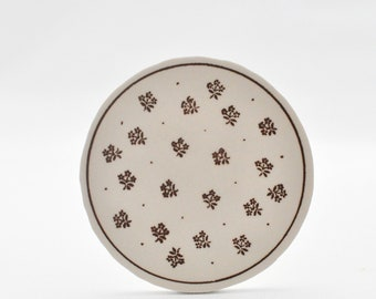 Broken China Focal - Brown Flowers- Round Tile - Recycled Plate