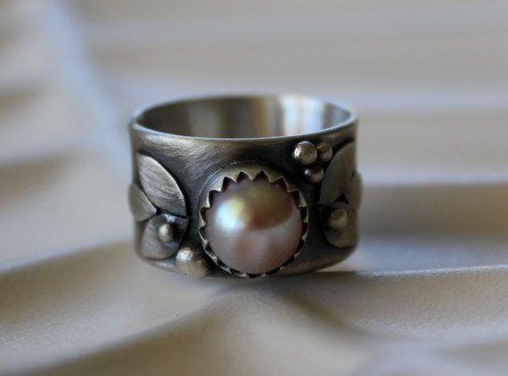 Pearl Ring with Pink Tall flat backed Pearl