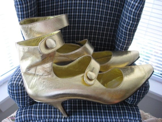 Witch Gold Pointy Strap Shoes sz 7.5 Made in Italy Costume High Heel Button Up Halloween
