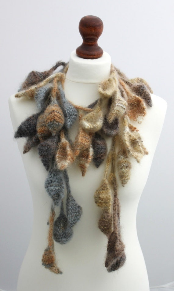 Scarf Thousand leaves 74 incles long