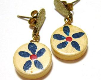 vintage wooded flower pierced dangle earrings