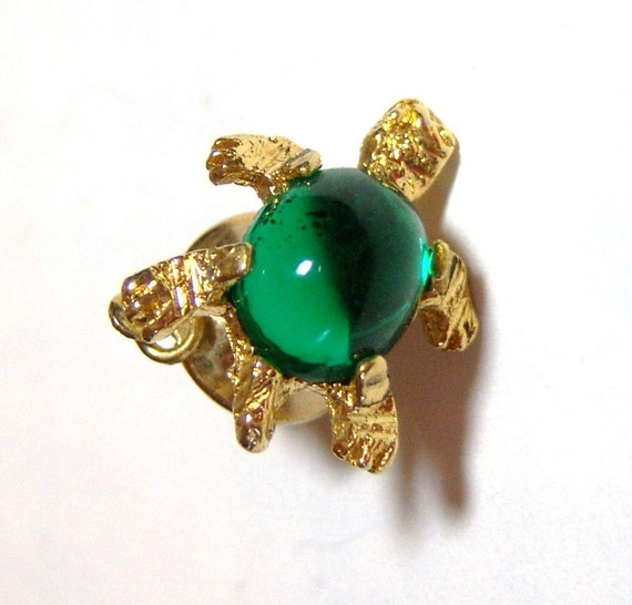 vintage green and gold tone turtle tie tack E