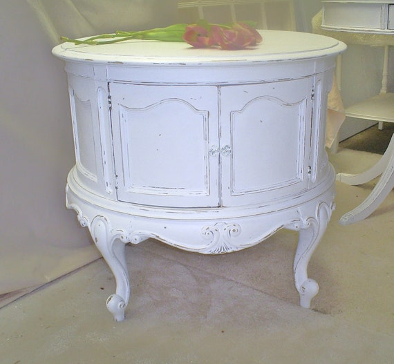 Shabby chic table   white distressed