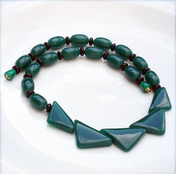 Art Deco Style Emerald Green Lucite Necklace