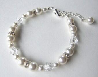 Swarovski Pearl and Crystal Bracelet B153