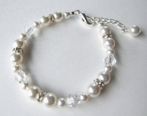 Swarovski Pearl and Crystal Bracelet B153