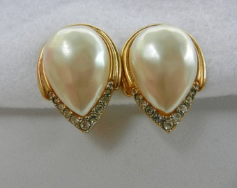 Elegant earrings 1960 - Great Gatsby style for the bride - pearls and crystals -teardrop earrings - signed TAT, with copyright -Art.712/2-