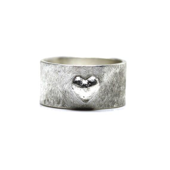 Wide Sterling Silver 3D Heart Ring - Heartprint