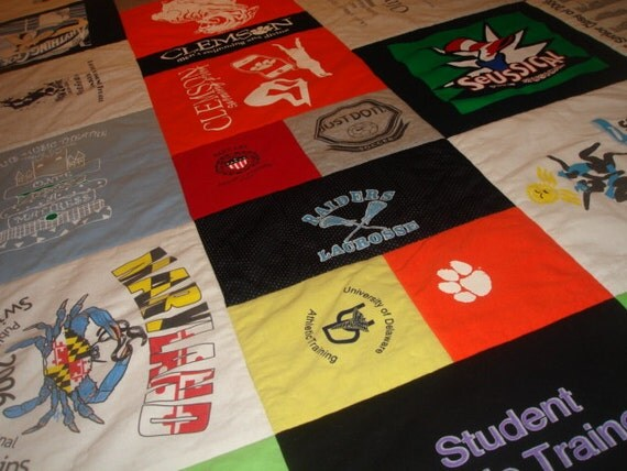 COLLEGE GRADUATION QUILT  Custom T-Shirt Dorm Blanket