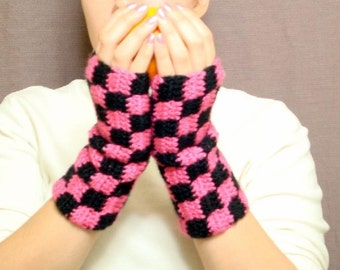Checkered Black and Pink Fingerless Gloves for Women, Checker Pink, Black Fingerless Gloves, Wrist Warmers, Fingerless Mittens MADE TO ORDER