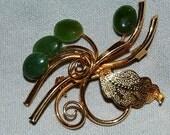 Vintage / Jade / Brooch / old jewellery jewelry