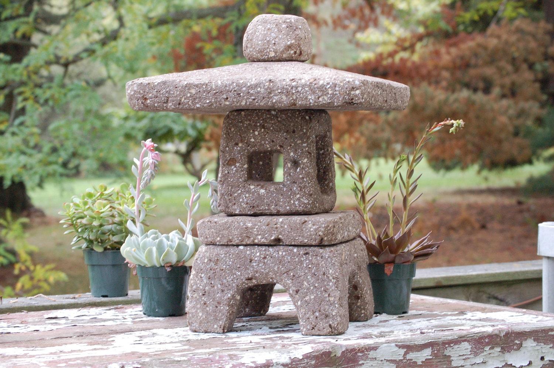 Hypertufa garden lantern 18 tall square taupe color for Japanese landscape lanterns