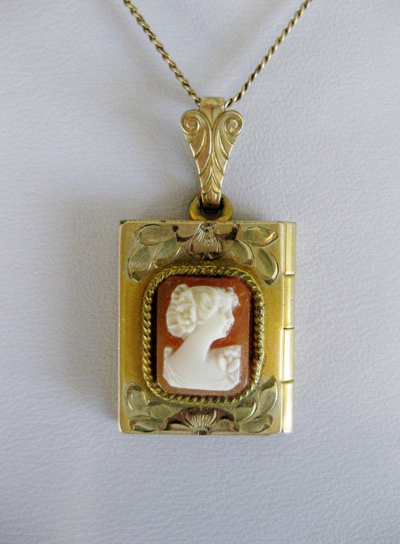 Vintage Carved Cameo 12K GF Locket