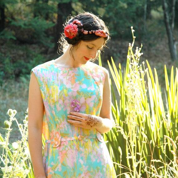 Vintage Pastel 1970s Maxidress... 70s Floral Maxi Dress.... SUNLIT MEADOW (m/l)