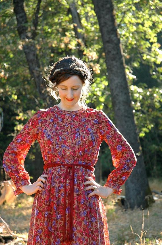 Vintage Floral Dress... Japanese Vintage... Boho Chic... FLORAL SONNET (s)