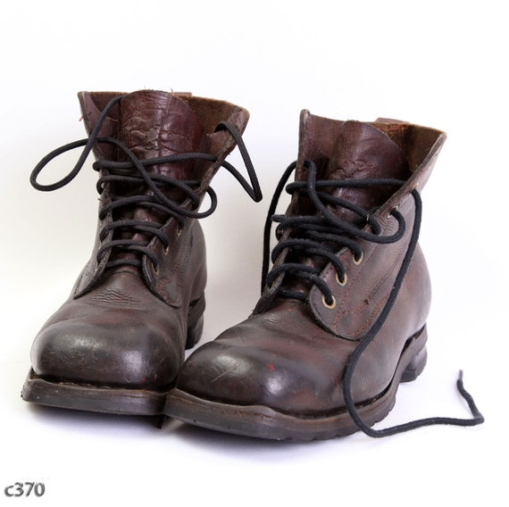 60s Army Combat  Boots / Vietnam War Brown Leather Distressed Boots / Eur 42, USA 8.5