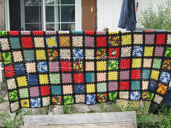 Vintage   Handmade  crochet granny square aftghan bedspread