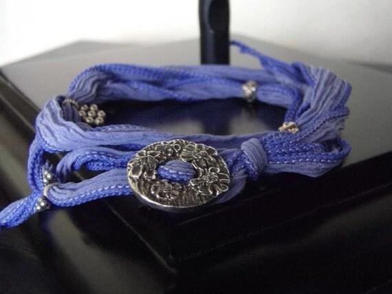 Pathfinder Yoga Wrap Bracelet - Adjustable Bracelet - Sport Bracelet - Dark Lavender Blossom