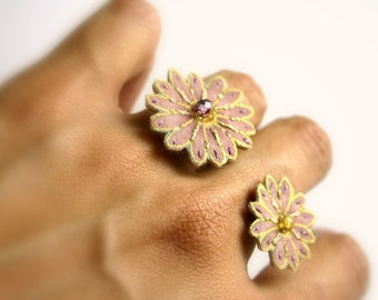 Double flower textile ring made with sterling silver - purple color