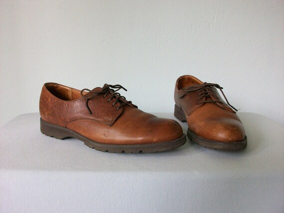 Vintage Leather Oxfords ... Classic 90's Lace-up Shoe ... 8 38