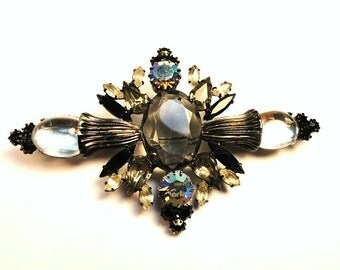 Large Vintage Victorian Style Brooch Black with Pink Aurora Borealis Cut Glass Stones//Vintage Jewelry//Mother's Day