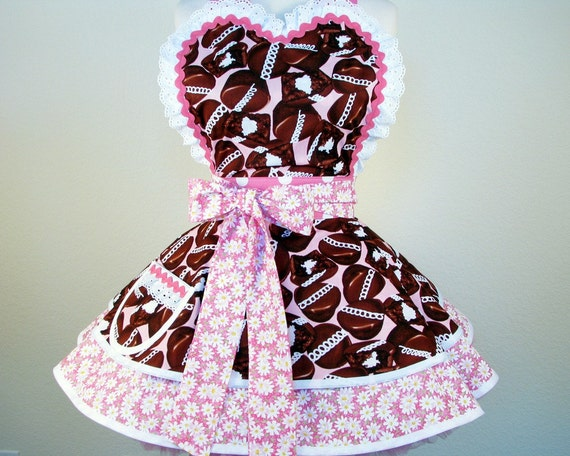 Cupcakes and Daisies Apron with Hostess Cupcakes and Pink Polka Dots -- in stock