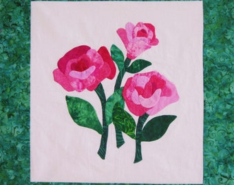 Quilted Wallhanging - Appliqued Pink Roses on White with Green Border