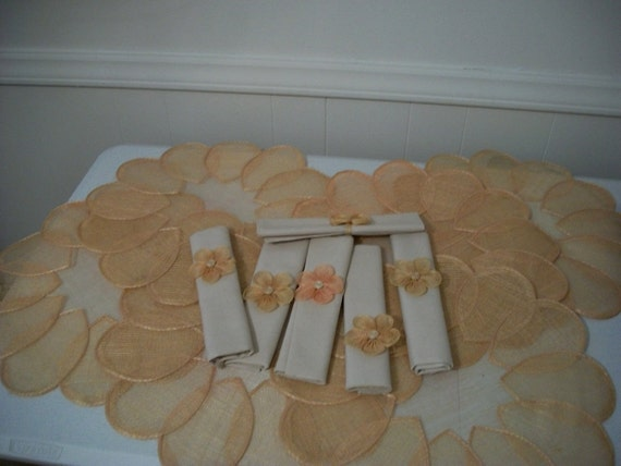 Vintage 70s raffia flower place mats and napkin rings - FREE shipping
